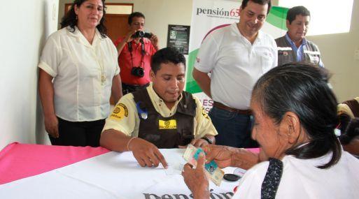 De esta manera, Pensión 65 alcanza su mayor cifra de afiliados, con un total de 505,000 usuarios en los 24 departamentos del Perú. El programa social Pensión 65 alcanzó su mayor cifra de afiliados al registrar a 505,000 adultos mayores en extrema pobreza en su padrón de usuarios correspondiente al bimestre marzo – abril de …