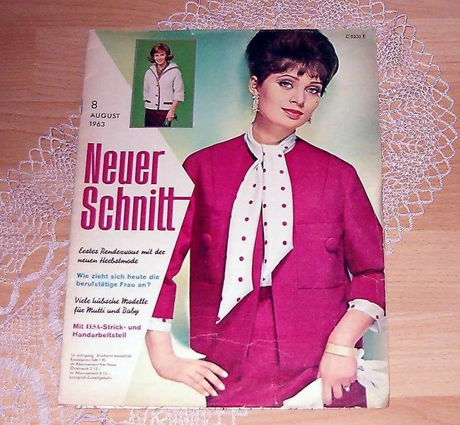 -*NEUER SCHNITT  August 1963  mit Elsa Strick- und Handarbeitsteil-*  Heinrich Bauer Verlag    +ERSTES RENDEZEVOUS MIT DER NEUEN HERBSTMODE+    -Bo...