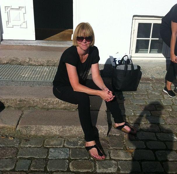 Janne stadig super lækker efter en lang dag :-) Her i cyntja tee og cathy pants