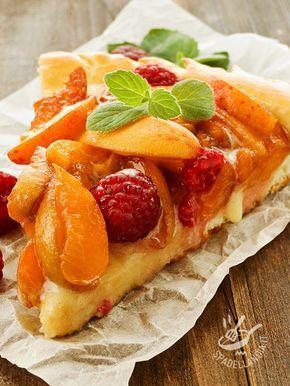 La Crostata di albicocche e lamponi è uno di quei dolci della tradizione che non passa mai di moda ed è sempre infallibile! Freschissimo e super goloso!