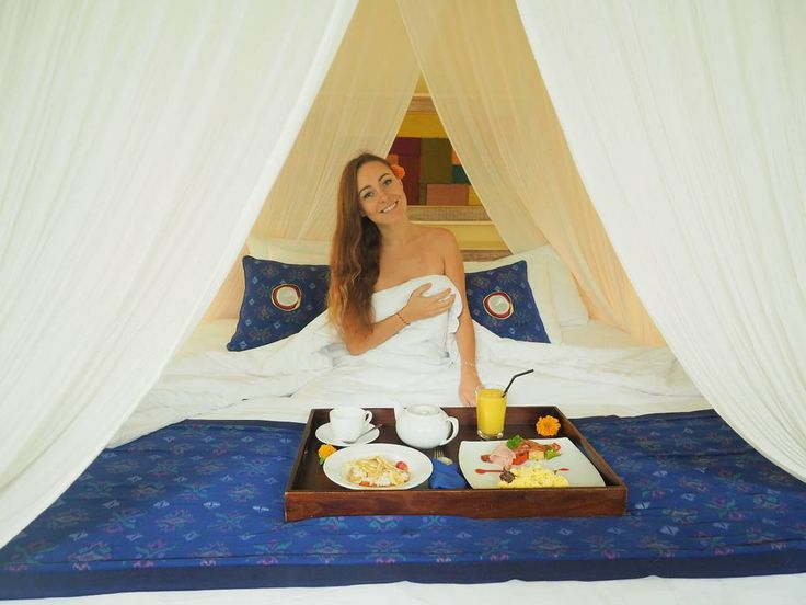 Get pampered and be a princess in your own bed with a warm service from @puriganggaresort  .. ..  By @sveklina #morning #breakfast #roomservice #americanbreakfast #villa #Bali #vacation #Ubud #Holiday #Tegalalang #Resort #sebatu #amazing_place #TripAdvisorBali #beautifulhotel #goodvibes #blogger #puriganggaresort #AHomeinALivingCulture