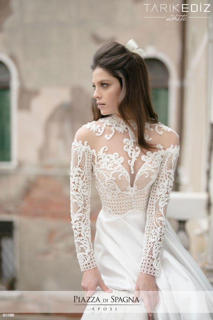 La collezione Tarik Ediz White 2016 è dedicata alle spose in cerca di un abito esclusivo, dove lusso, eleganza e glamour si fondono creando combinazioni affascinanti tra lavorazioni sartoriali e alta qualità dei tessuti