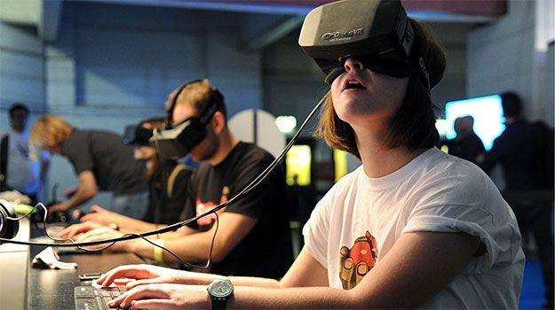 The history of virtual reality video games