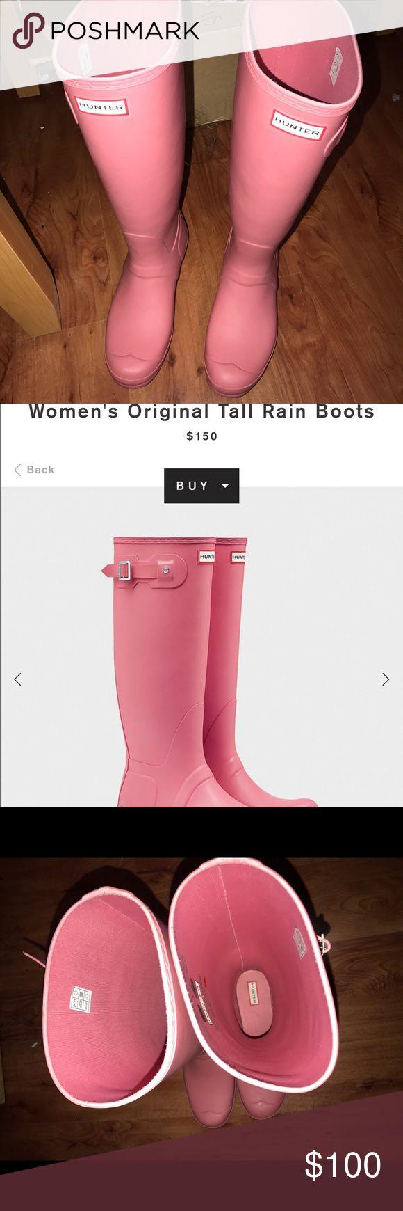 Women's tall hunter rain boots Size 10 hunter rain boots, good condition, only worn twice! Hunter Boots Shoes Winter & Rain Boots