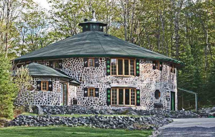 Cordwood Homes and Barns also known as Stackwall, Log End, Stovewood or Cordwood Masonry... (I love the look of cordwood buildings.)
