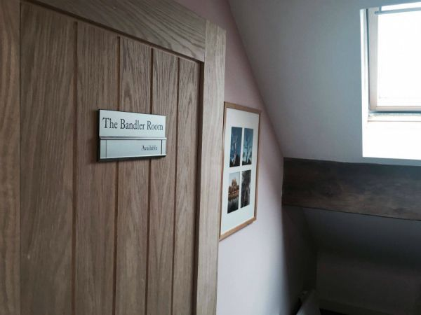 The Bandler Room is available for hire by the hour to health and wellness professionals. Rooms are warm, private and well insulaated. A professional location for a professional business.