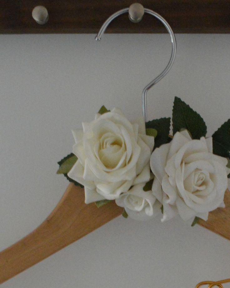 Cabide personalizado para noiva e madrinhas