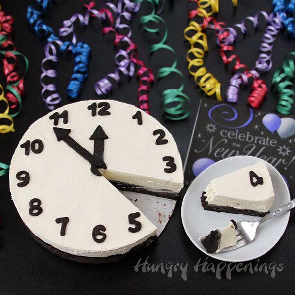New Years eve clock cheesecake