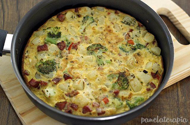PANELATERAPIA - Blog de Culinária, Gastronomia e Receitas: Frittata de Batata, Brócolis e Calabresa