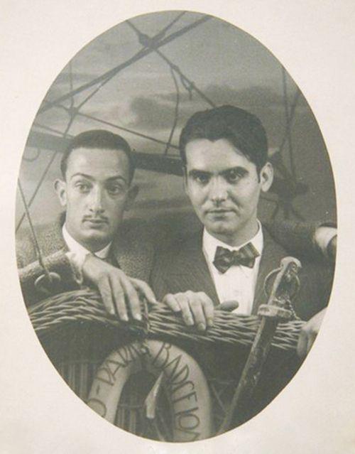 Young Salvador Dalí and Federico García Lorca.