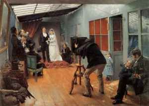 """Pittura e Storia: le origini ottocentesche dell'""""album di nozze"""" Il famoso dipinto del francese Pascal Dagnan-Dauveret segna visivamente la nascita di un costume che a tutt'oggi permane: fotografare le fasi salienti di una cerimonia di nozze. Le tecniche sono certa #pascaldagnan-dauveret #matrimonio"""