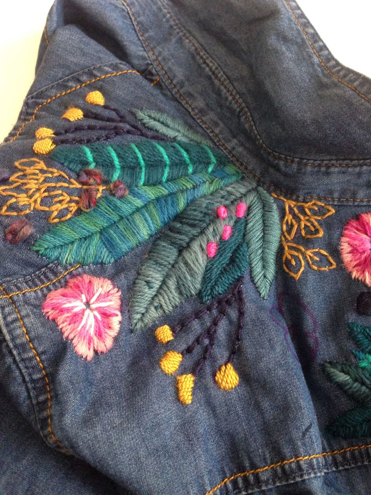 Camisa de jeans bordada