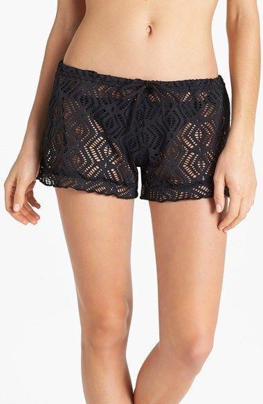 €43, Short en crochet noir Becca. De Nordstrom. Cliquez ici pour plus d'informations: https://lookastic.com/women/shop_items/60518/redirect                                                                                                                                                                                 Plus