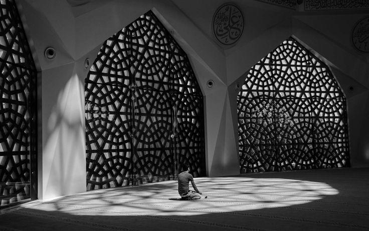 Marmara İlâhiyat Fakültesi Camii by meral sırçaada - Photo 218524351 / 500px.   #blackandwhite #schwarzweiss #noiretblanc #siyahbeyaz #monochrome #architecture #istanbul #shadow #bw #mosque #bnw #camii #türkiye #turkey #gölge #ilahiyatcamii