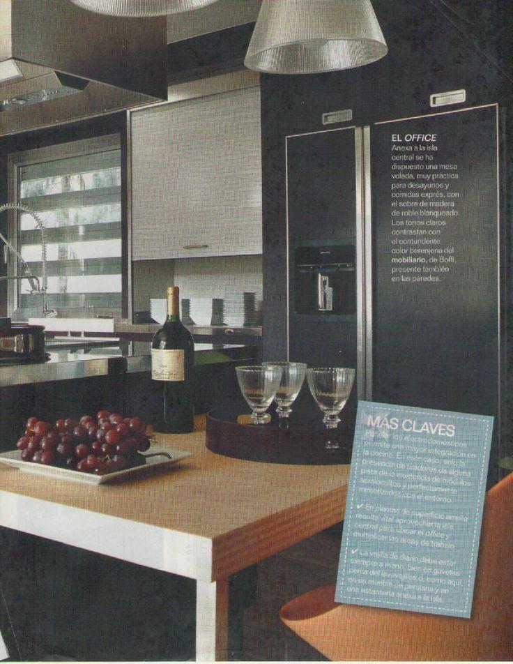 Armario con persiana nevera panelada mesa adosada a la - Mueble mesa cocina ...