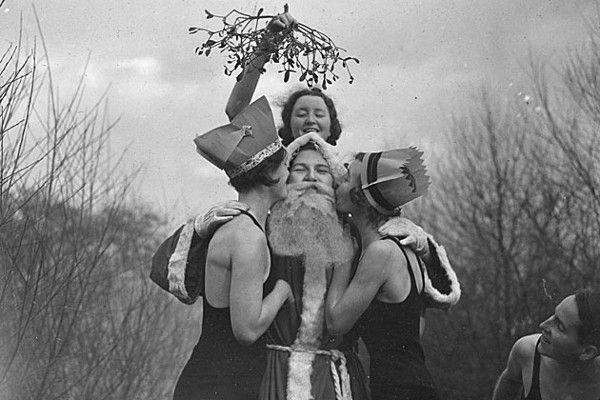 Baciatevi sotto il vischio! #Christmas #flowers & #plants #Natale…