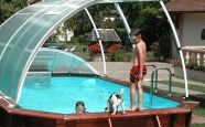 Nos abris de piscine classiques Primo Roman présentent un excellent rapport fonctionnalité/résistance/prix, devenant ainsi le compagnon idéal de votre piscine