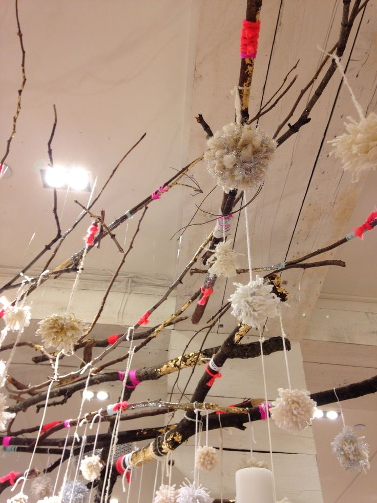 Free people store display bellevue washington for Free people store decor
