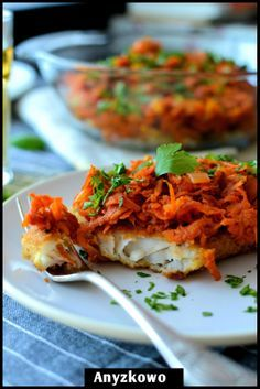 Fish in Greek Recipe...3 fillets of white fish (cod with me), 3 carrots, 1 parsley, 1/2 leek, 1 onion, 1/2 cup chopped tomatoes in brine, 1 level tsp chilli flakes, olive oil, salt, pepper, 2 eggs, 150g breadcrumbs.