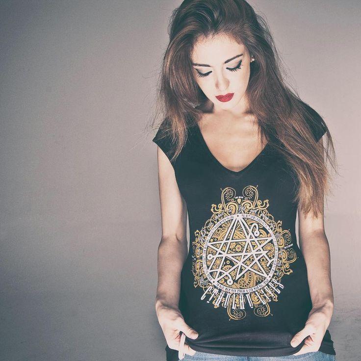 ... Dead Cthulhu waits dreaming. #toohead #vintage #rock #official #tshirt #heavymetal #lovecraft #cthulhu #black #brand #magliette #woman #tees #tattoo #necronomicon #etsy #etsyseller #etsyshop #igers #vsco #portrait #art #illustration #horror #instafollow