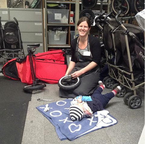 What are you up to today? Hayley is volunteering with her two sons (Adam is 3 months and Harvey is 2). Adam enjoys changing punctures...Hayley will pramsform this old phil&teds double pram and it will go out to a mum with two small kids like her. We like to think about all that we have in common with the mum who will receive this pram and it makes us feel very happy that we can do so much to help her. You can help to! Please donate your pram and help us collect 500 prams