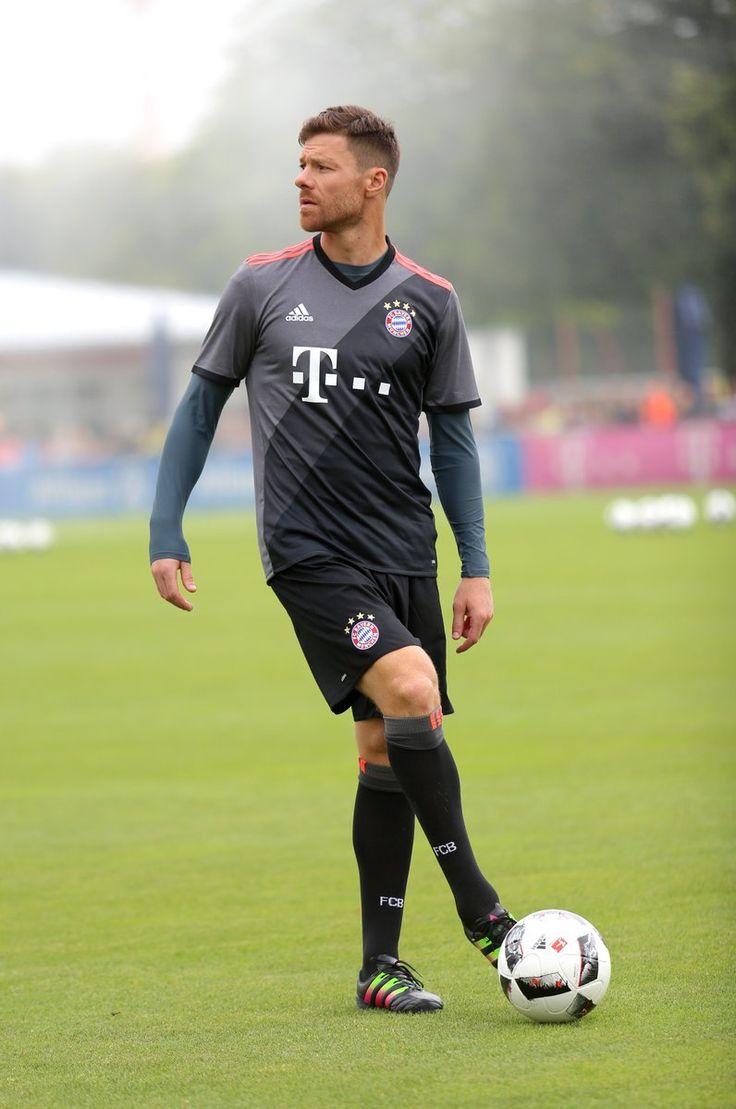 The 2016/17 adidas FC Bayern Away Jerseys are at SoccerPro right now! Shop: http://www.soccerpro.com/Bayern-Munich-c144/