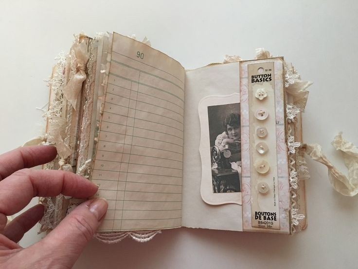 I need to keep more memory journals. you can never have too many! #inspiration to start another.