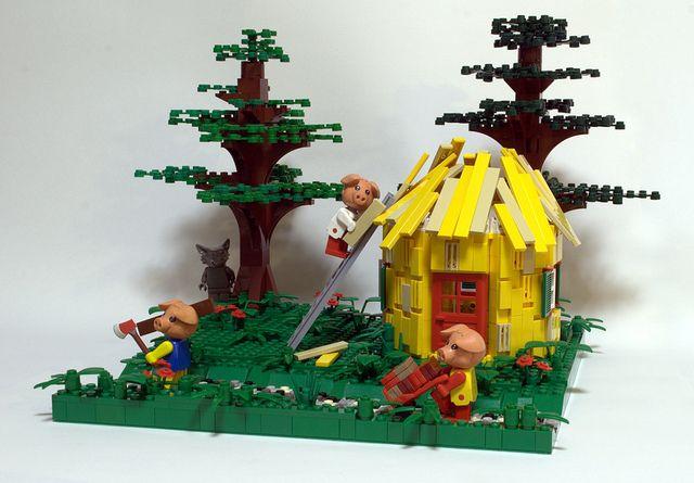 Three little pigs - Lego by tikitikitembo I love these MOCs that ingeniously use Fabuland figures.