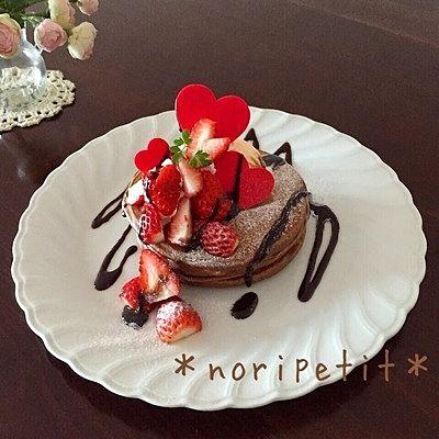 簡単ふわふわ♪チョコレートパンケーキ バレンタインver ホッ...
