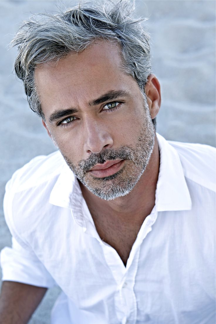Silver Fox with a short beard.  Yummy!