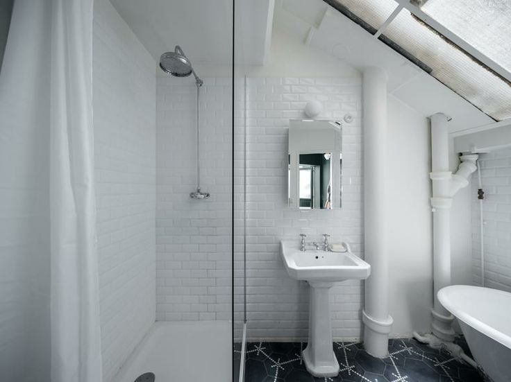 Parigi: una casa per due - Living- Bathroom