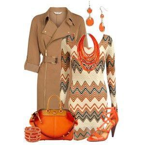 С чем носить оранжевые босоножки: светло-коричневое платье с принтом, яркие аксессуары и светло-коричневый плащ