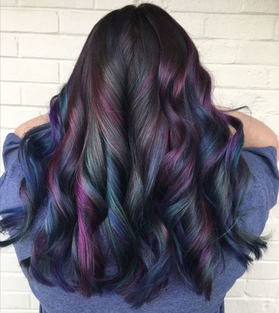 Oil Slick Hair - Everything To Know About the Fun Color Trend