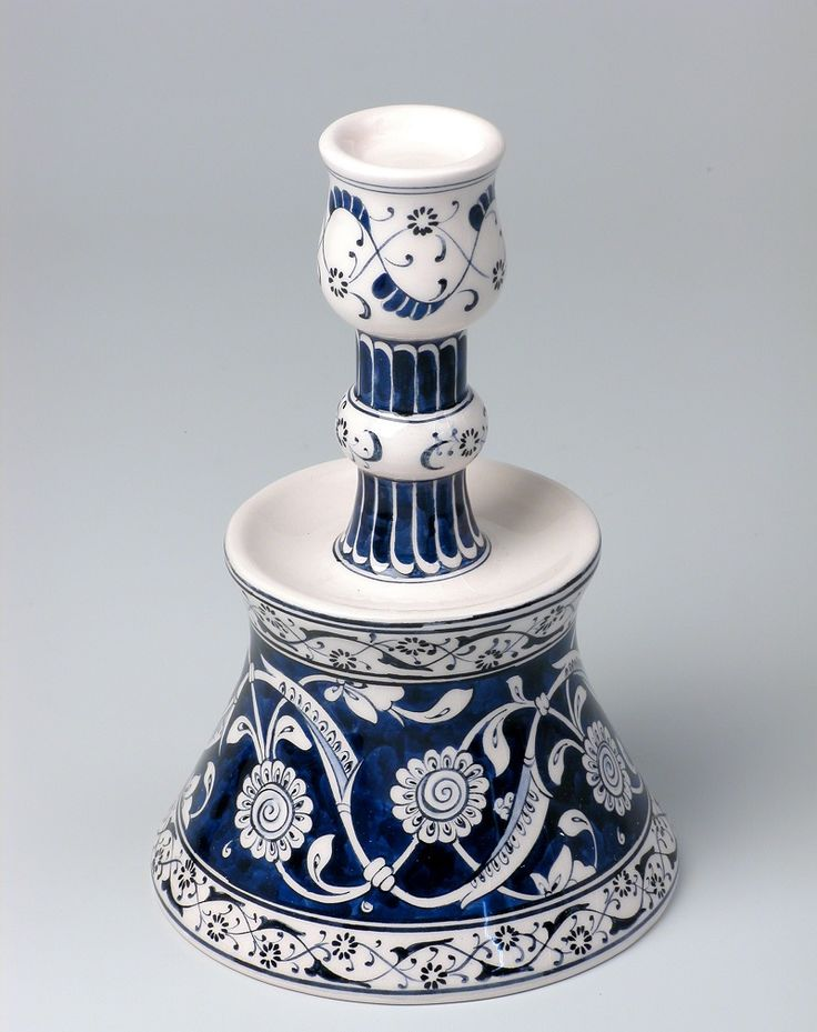 Iznik candle holder 12,5 x 19 cm blue and white floral design 02