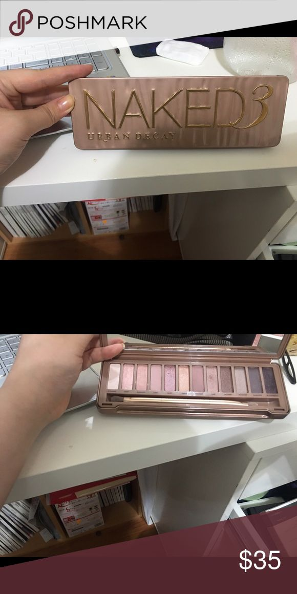 Naked 3 pallette from irban decay Lightly used with brush included Urban Decay Makeup Eyeshadow