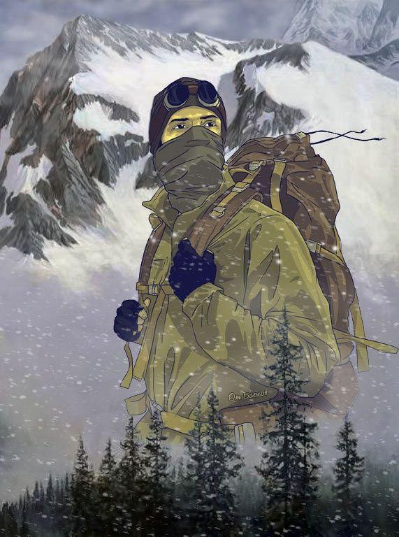 Альпинист на фоне леса и горных вершин