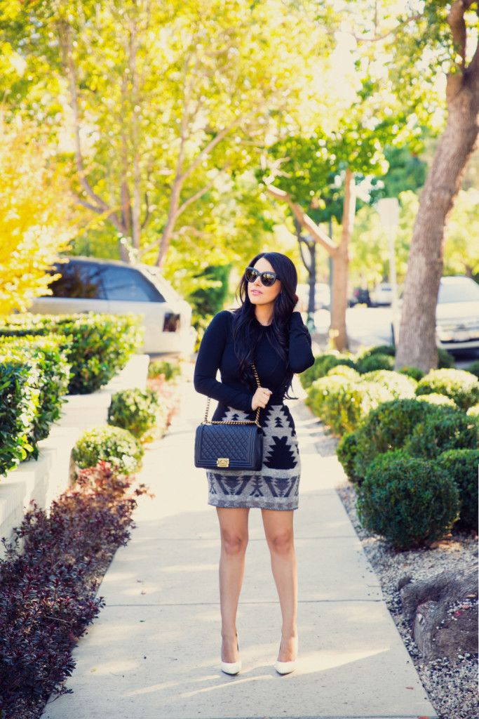 All black outfit, Spring ootd, Chanel Boy Bag in Calfskin, Shopper Mandy, Patterned Scarf, Charles David Pact Pum