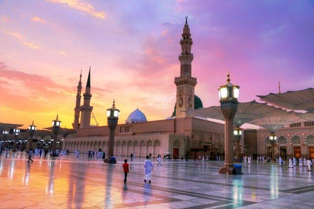 Medina Saudi Arabia المدينة المنورة Stock Photo Collection Twenty20 Medina Saudi Arabia Mosque Medina Mosque