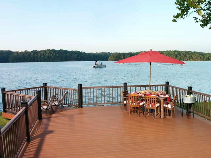 HGTV.com provides pictures of decks that take advantage of nature's surroundings, with stunning views and lush locations.
