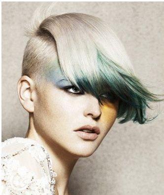 Taglio-capelli-corti-rasati-ai-lati-lunghi-sopra-2013.jpg (333×395)