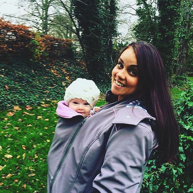 We are definitely in love with these two! Can't stop smiling at this picture! Thank you @sequenni_hugglemuch for tagging us and have lots of warm snuggles in your #LiliputiMamaCoat !  #babywearing #winter #winterbabywearing #mamacoat #coat #grey #pink #love #cute #smile #girls #beautiful #style #winterstyle #motherandbaby #motheranddaughter #daughter #mother #moment #picture #family #laugh #wearallthebabies #wearyourbaby #carrythem #keepthemclose #LiliputiStyle @liliputilove
