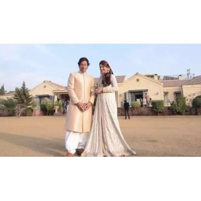 imran khan and reham khan in bani Gala