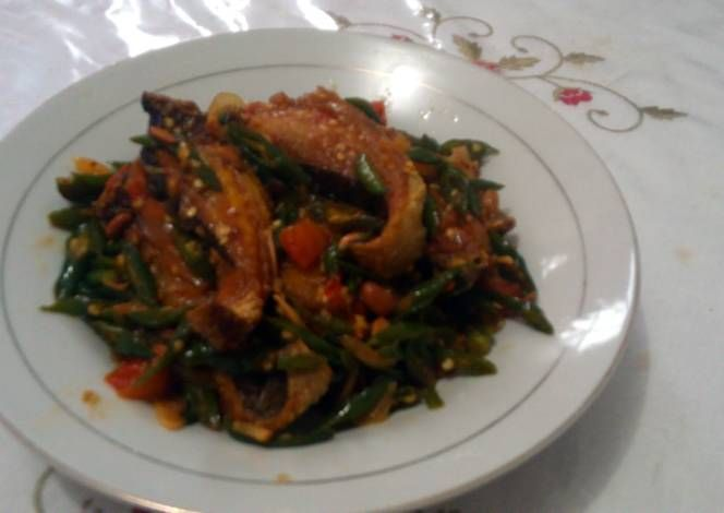 Stingray with Spicy Soyben Fermented Sauce Recipe -  Yummy this dish is very delicous. Let's make Stingray with Spicy Soyben Fermented Sauce in your home!