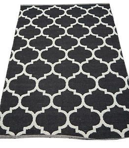 Black and White flat weave style. Floor Rug mat.