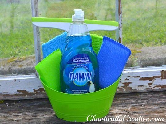 Washing Windows Like A Pro - Chaotically Creative