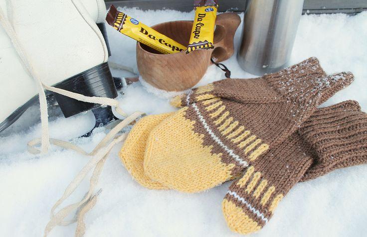 'Da Capo mittens' made with Novita 7 Brothers yarn #novitaknits #knitting #knit https://www.novitaknits.com/en