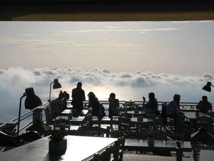 Λευκάδα Εξάνθεια - Το μοναδικό εστιατόριο της Ελλάδας όπου μπορείς να φας.. πάνω από τα σύννεφα!