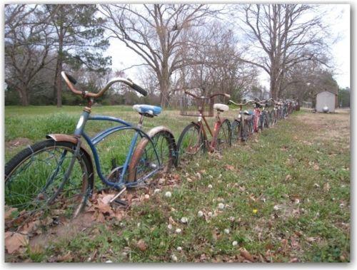 Newport needs this somewhere.: Bicycles Gardens, Bicycles Fence, Idea, Gardens Inspiration, Yard Art, Bike Fence, Old Bike, Bicycles Art, Bike Art