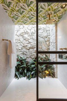 Decoração, decoração de casa, decoração rústica, decoração moderna, revestimento, Luz natural, Casacor, banheiro, decoração de banheiro, banheiro decorado, plantas, plantas na decoração.
