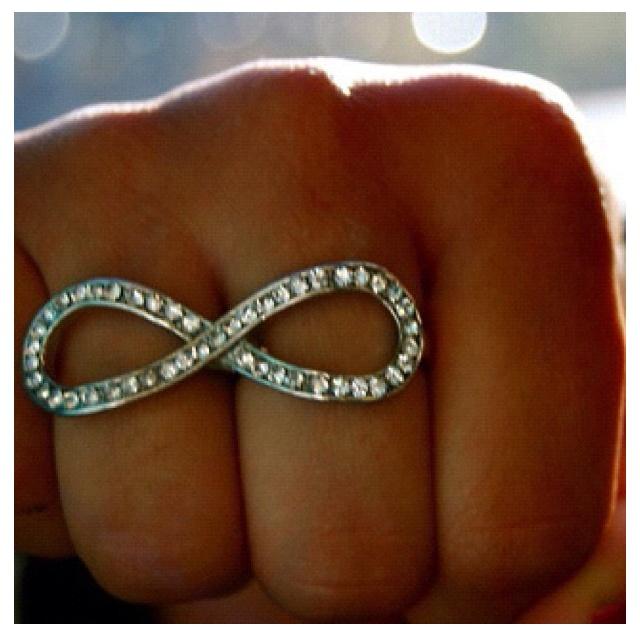 Pretty ring. I love enfinity stuff